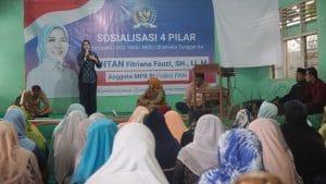 Intan Fauzi melakukan sosialisasi 4 Pilar (Pancasila, UUD 1945, NKRI, Bhineka Tunggal Ika)