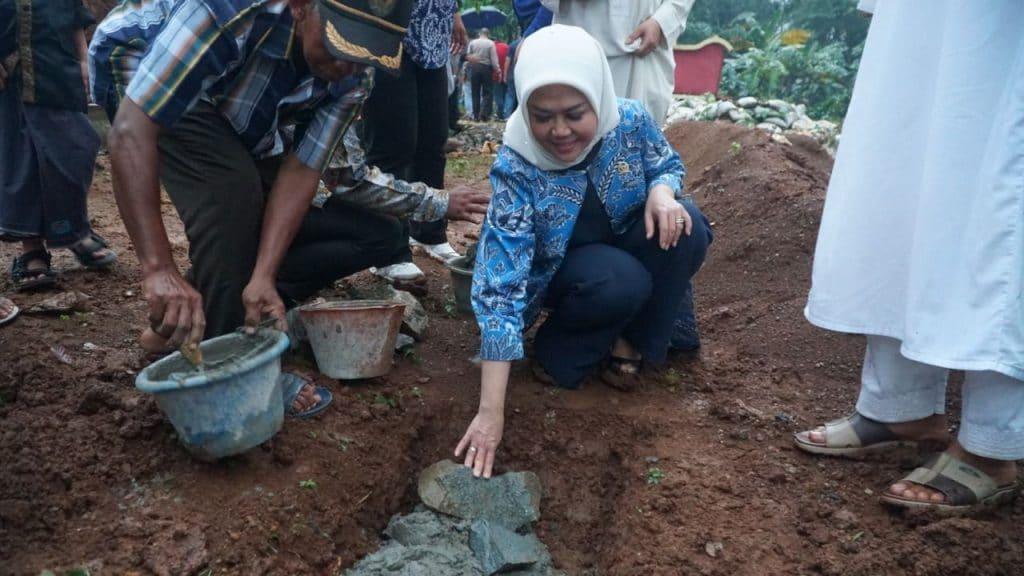 Intan Fauzi Lakukan Ground Breaking Pembanguan Rusun Ponpes Yasfi