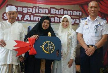 Pemberian 1 Unit Bus Aspirasi Anggota DPR RI Intan Fauzi Kepada Yayasan Pendidikan Al Mansyuriah Depok