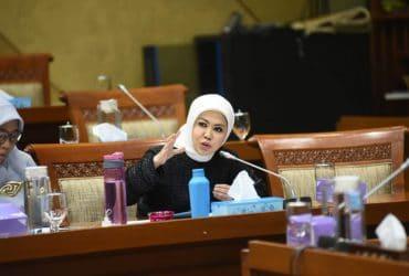 Intan Fauzi: RUU Omnibus Law Harus Menomorsatukan Buruh