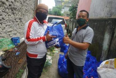 Intan Fauzi Salurkan Paket Sembako ke 23 Kecamatan se Kota Bekasi dan Kota Depok