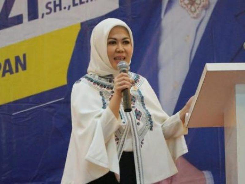 Anggota DPR RI, Hj Intan Fauzi, SH, LL.M