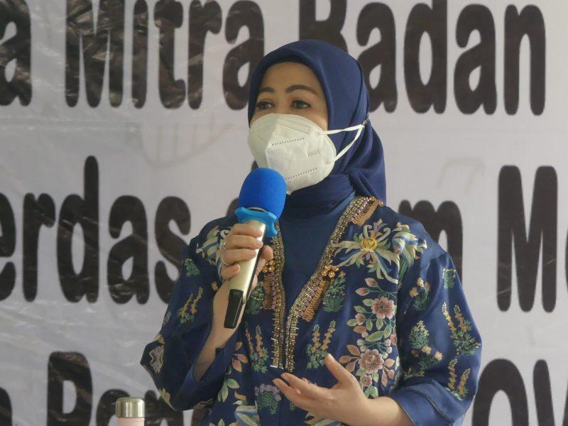 Anggota DPR RI Komisi IX, Hj Intan Fauzi bersama BPOM Sosialisasi di Pasir Putih, Depok