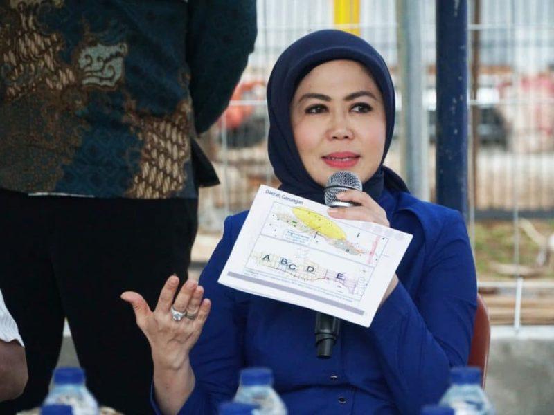Anggota DPR RI, Hj Intan Fauzi, SH, LL.M melakukan kegiatan reses perorangan ke Dapil Jabar VI pada masa Persidangan I Tahun Sidang 2019-2020 guna menyerap aspirasi  masyarakat di Kota Bekasi, Jumat (27/12)